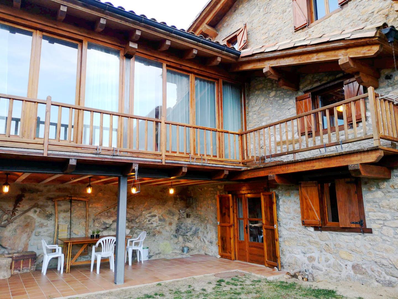 Casa -                                       Estana -                                       5 dormitorios -                                       11 ocupantes